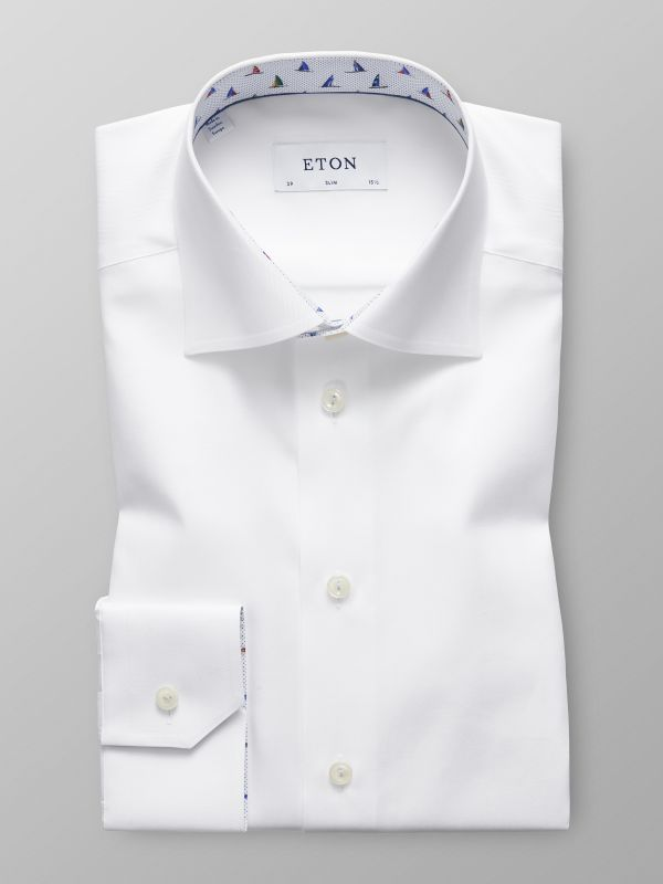 White Shirt - Sailboat Details